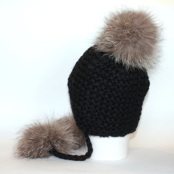 Women's fur pom pom hat / Super chunky black merino wool hat / Ear flap hat with fur / Peruvian hat / Hat with flaps / Bobble hat