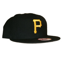 New Era 950 Pittsburgh Pirates Grey Bottom SnapBack In Black