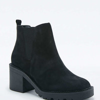 Perfect Nubuck Chelsea Ankle Boots - Urban Outfitters
