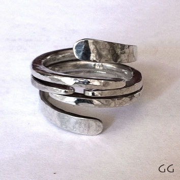 RING Energy3Centered in Sterling Silver Hammered by GGoriginal