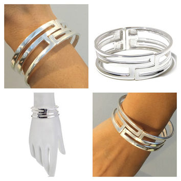 Feel the presence! Sterling Silver Rectangular Cut-Out Hinged Bracelet. Solid and Heavy 48g. Video available .