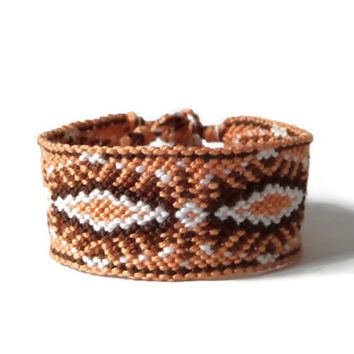 "wide unisex friendship bracelet, macrame bracelet in shades of brown for adults ""eye"" 14,5 cm (5,7 inches)"