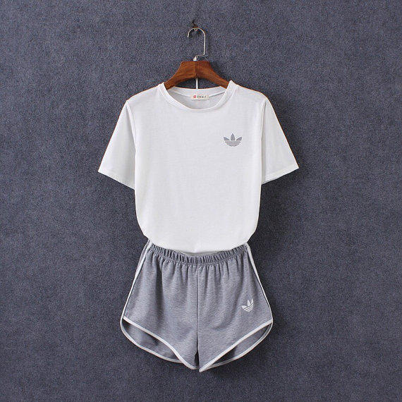Adidas Shorts And Crop Top Jumperachat En Ligne