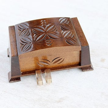 Wood Carved Wedding Ring Chest, Antique Ring Box, Rustic Wedding Ring Holder, Ring Bearer, Engagement Ring Box, Keepsake Box, Proposal Box