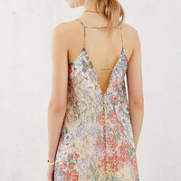 Love Sadie Floral Square-Neck Shift Dress - Urban Outfitters
