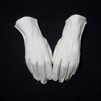 1960s Vintage Lady's Fashion Gloves in White Double Woven Cotton, Small to Medium, Vintage Gloves, Costume Accessory, Dress Up Gloves, Drama