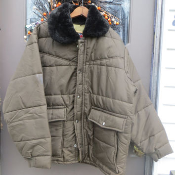 vintage  1970s Big Smith-Western outerwear   Men's  brown quilted zipper front  puffer  jacket. xlarge  brown furry collar