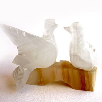Peace Doves Bird onyx marble and white marble   Art Doves Love Birds Figurine Statue Vintage hand carved.
