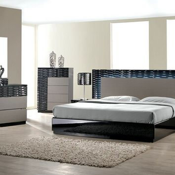 Best Master Romania 4 pc romania black lacquer finish wood modern style queen bed set with zebra gray accents