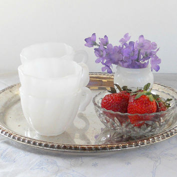 Hazel Atlas White Milk Glass Punch Bowl Cups, Set of 4, Weddings, Tea Parties, Tea Cups, Bridesmaid Luncheon, Coffee Cups, Tea Cups