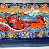 """Three horses riding"" casket"