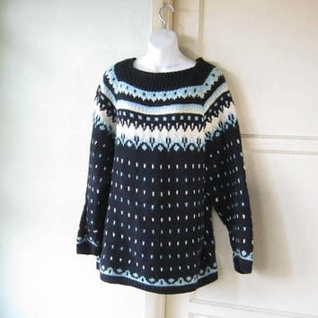 Cream/Light Blue/Navy Blue Alpine Print Ski Sweater; Big Warm Pullover; Women's Large Boatneck Snow Bunny Sweater