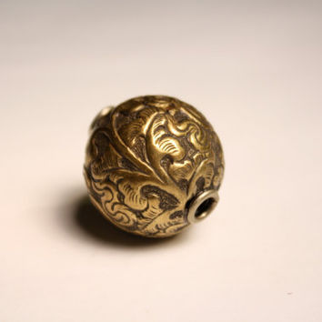 22 mm Brass Round Bead Ornate Floral Large Metal Bead Light Weight