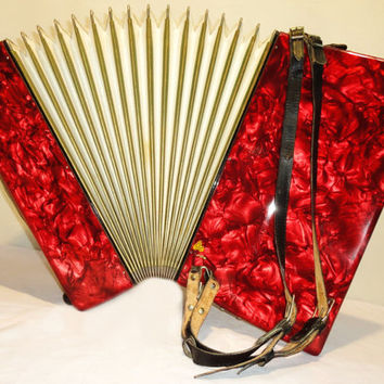 WELTMEISTER  Amigo 80 bass 5+3 registers Piano Accordion. German Accordian.