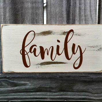 FAMILY Rustic Sign / Distressed Wooden Sign / FAMILY Vintage Sign / FAMILY Rustic Sign