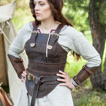 "DISCOUNTED PRICE! Medieval Leather Armor Corset ""Shieldmaiden""; Viking Armor; Women's Armour"