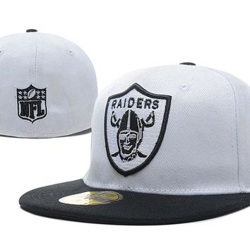Oakland Raiders New Era 59FIFTY NFL Football Hat White-Black