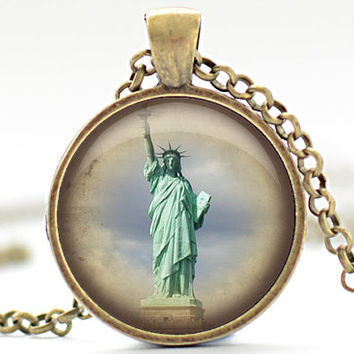Statue of Liberty Necklace, 4th of July Jewelry, Vintage Style Liberty Pendant, Lady Liberty Charm (759)