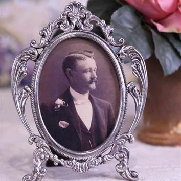 Fanciful Filigree Picture Frame | Victorian Frame | Ornate Oval Frame