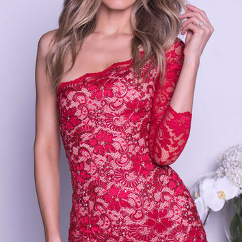 THAIS LACE DRESS IN RED