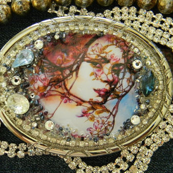 Temptress in the Garden Wearable Art Women's Belt Buckle