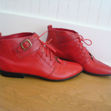 Vintage Red Ankle Boots / 80s Booties / Leather Shoes / Womens Punk Ankle Boots / 8.5