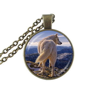 Fashion Glass Cabochon Wolf Pendant Necklace Women Men Accessories White Wolf Art Picture Vintage Winter Statement Jewelry Gifts