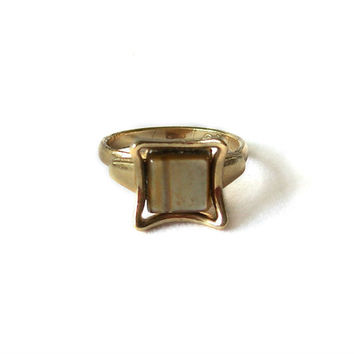 Vintage adjustable Sarah Coventry Ring Tiger Eye Gold Tone
