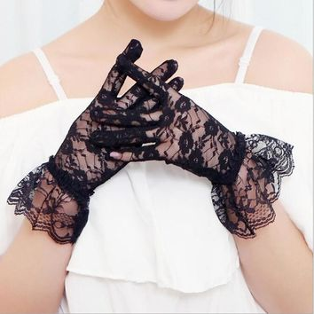2017 Women Lace Gloves Sexy Summer Autumn Full Lace Flower Vintage Ladies Spring Sunscreen Driving Party Glove Finger Mittens