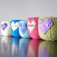 MOM embroidered felted bowl - gifts for mom - catchall - catch all - ring dish - candy dish - custom - SHIPS in 2 weeks
