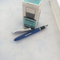 Fountain Pen Wearever Silver Tone Cap Filler Clip Stainless Nib USA Pelikan Drawing Ink Glass Bottle