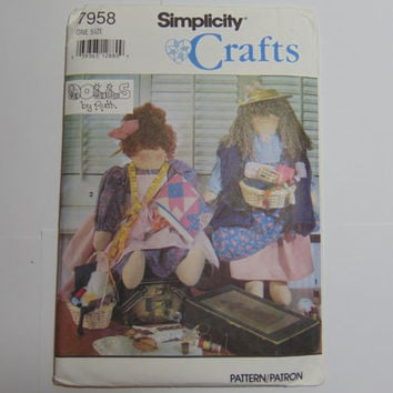 Simplicity Craft Pattern 7958 Quilter/Sewer and Peddler Doll and Clothes 1992
