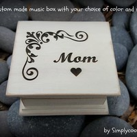 Wooden Music Box - Mom Gift Box - Engraved Box - Custom Music Box - Personalized Music Box - Mother of the Bride gift - Mothers day gift