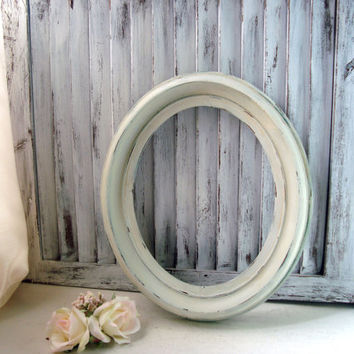 Cream Oval Open Frame, Antique Cream Vintage Frame, Distressed Frame, Shabby Chic, French Farmhouse Decor, Off White Painted Frame, Patina