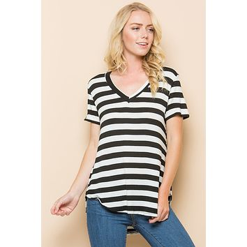 Short Sleeves Striped Pattern V-Neck Top