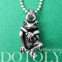 Realistic Frog Animal Pendant Necklace in Silver | Animal Jewelry