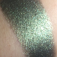 Dark Forest eyeshadow - Hunter Forest Green with strong Gold duochrome and multi-dimensional reflects