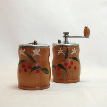salt & pepper set // 1970s wooden painted shaker set // salt shaker and pepper grinder