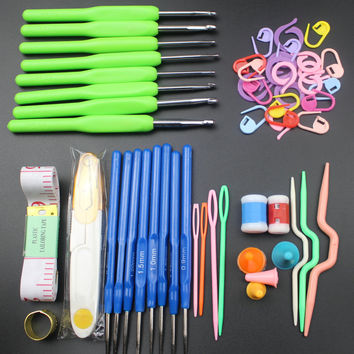 4 Colors Durable 16 sizes Colorful Soft Handle Crochet hooks Needles Stitches knitting Craft Case crochet set in Case