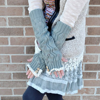 arm warmer, lace, wood button, light grey, fingerless gloves, mittens, knitted arm warmer, stocking stuffer, gift for her .. aw01