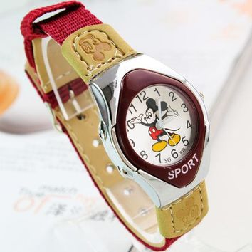 Fashion Mickey Fabric Strap Catoon Watches For Girl Boy Student Girl Good Quaity Quartz Children's Sports Watches Casual Clocks