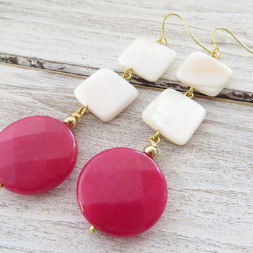 White mother of pearl earrings, hot pink jade earrings, long gemstone earrings, dangle earrings, modern jewelry, italian jewelry, gioielli