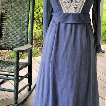 1970s Vintage Dress /1970s Vintage Folk Dress/Vintage Boho Denim Blue Dress Made in the USA Size S