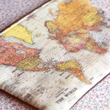 World map purse.Vintage World Map Make Up Bag. Vintage map purse. World Map Travel bag.Old map print bag. Map Lovers