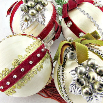 Vintage Christmas Ornament Set, Cream Satin Ball Ornaments, Grape Pearl Ribbon Bead Ornament, Christmas Tree Ball Ornament, 1960s Home Decor