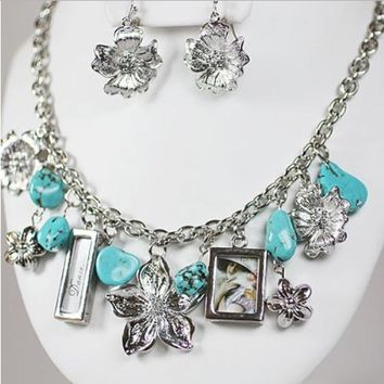 Natural Turquoise & Silver Plated Flower Necklace & Earrings Set