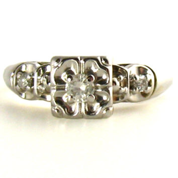 Illusion Diamond Ring in White Gold
