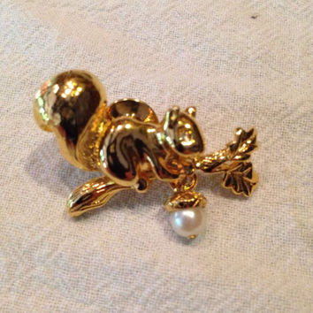 Vintage Avon Gold Squirrel  Pearl Acorn And RhinstonesBrooch Pin  Costume Jewelry