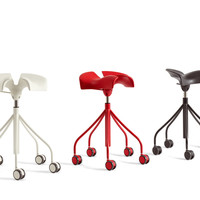 Height-adjustable stool with casters BINARIA by BD Barcelona Design | design Jordi Badia, Otto Canalda
