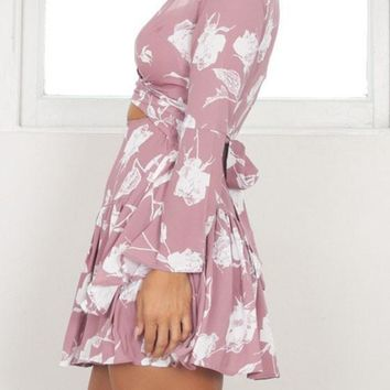 Streetstyle  Casual Pink Floral Print Lace-up Tie Back Deep V-neck Flare Sleeve Mini Dress